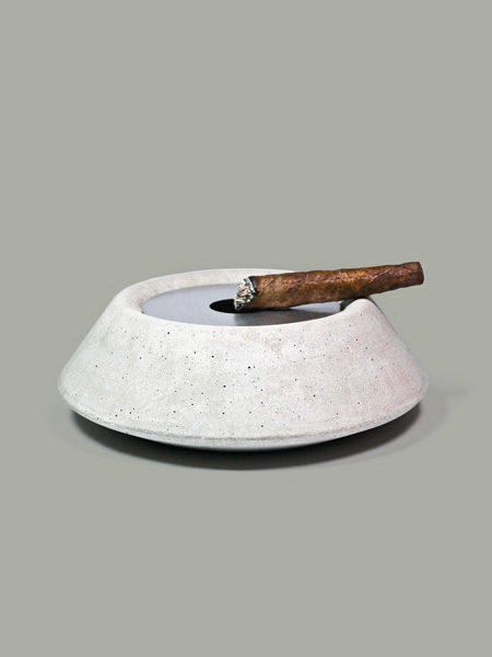 Victor ashtray cemento concrete studio pastina